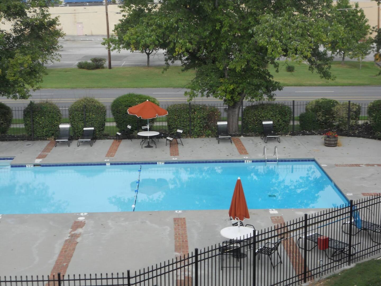 Apartments for Rent in Oak Ridge, TN | Manhattan - Home