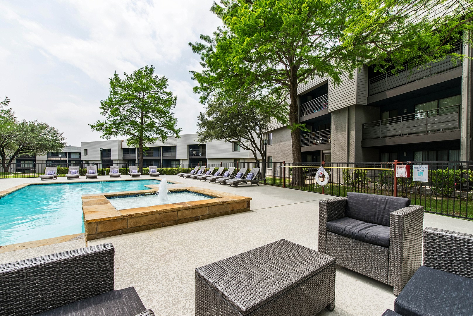 apartments for rent in dallas tx halston home