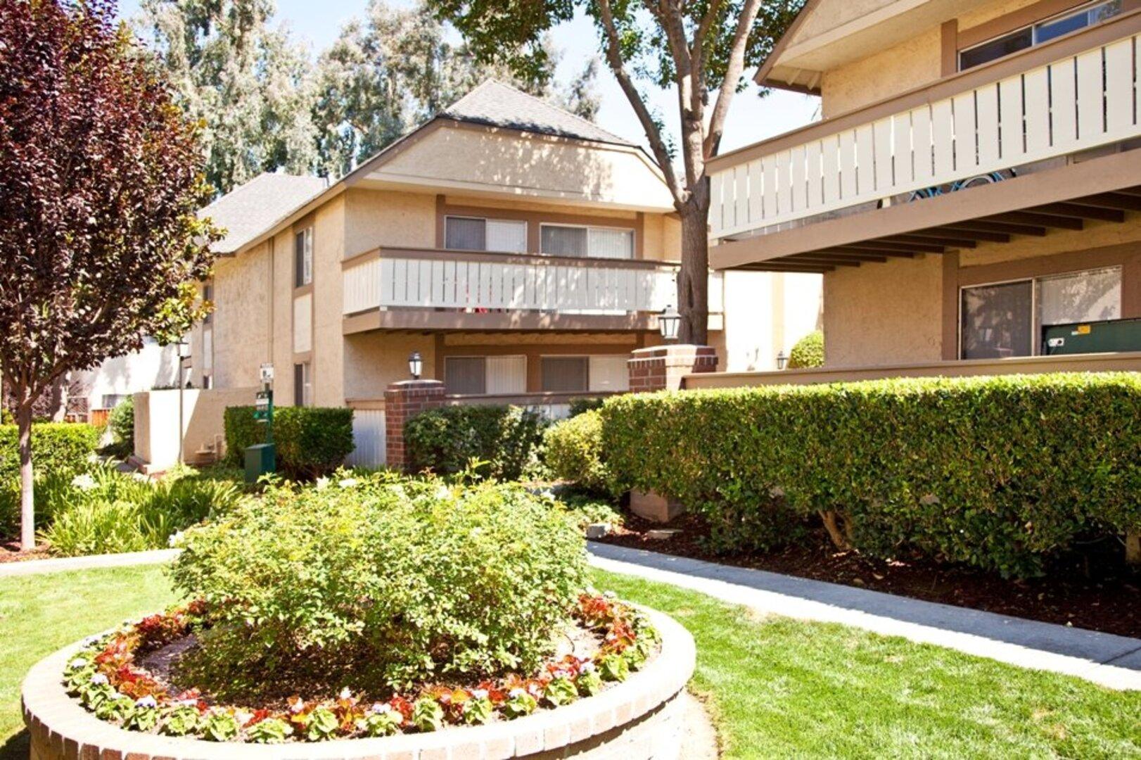 Shadowcreek Apartments In Campbell Ca Lyon Living