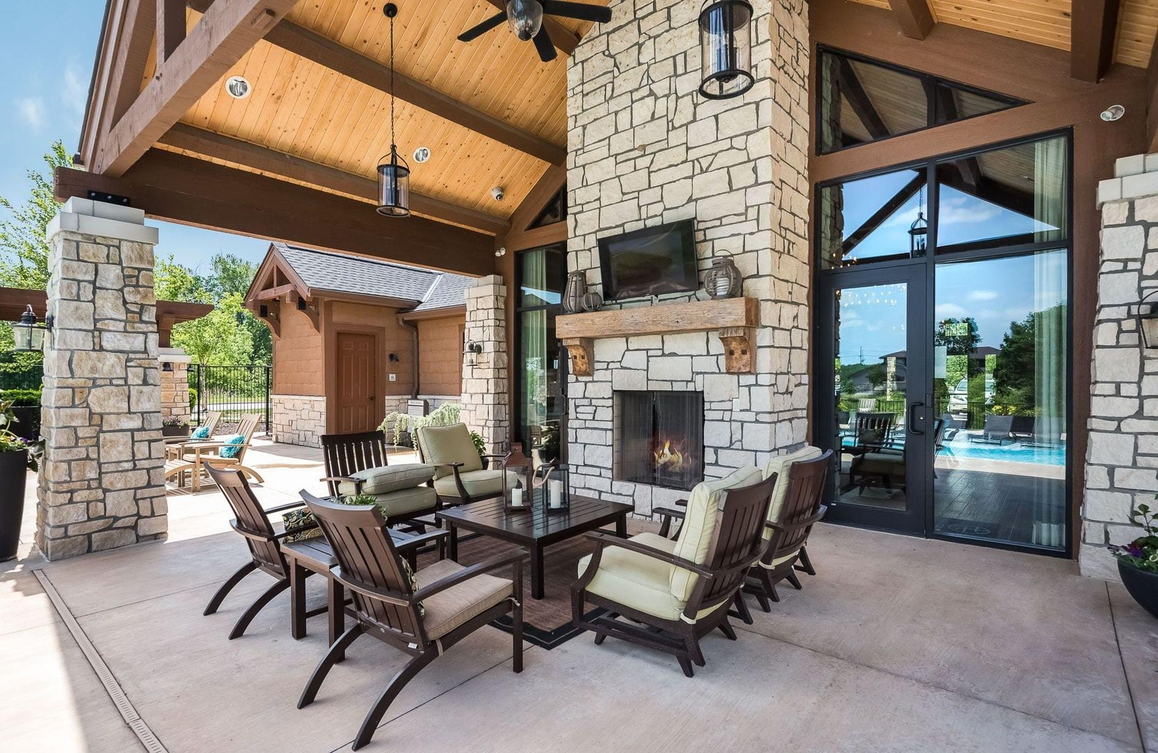 Luxury Apartments Overland Park Photo Gallery Of Highlands Lodge