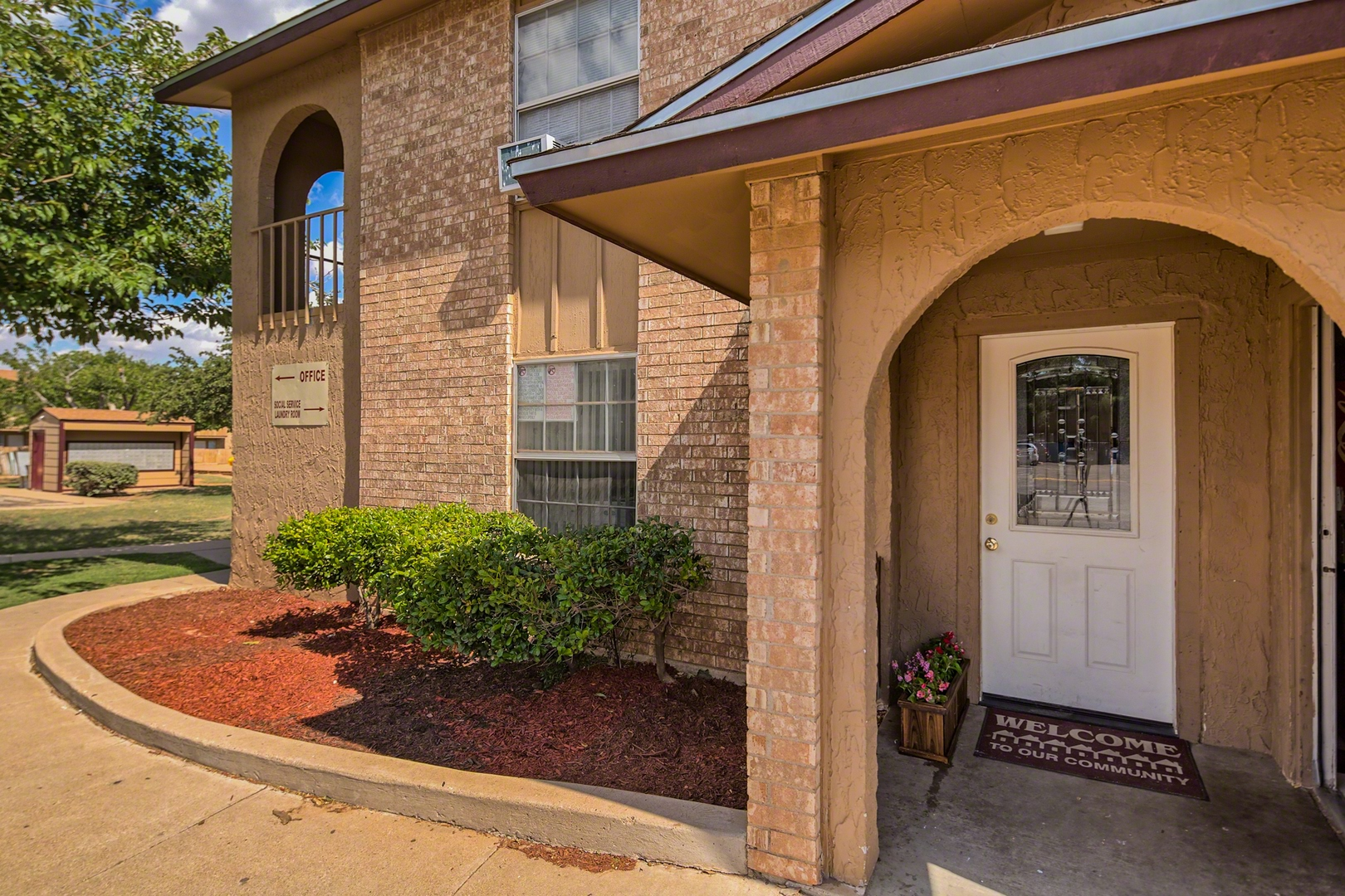 Remarkable Apartments For Rent In Midland Tx Chaparral Apartments Home Beutiful Home Inspiration Xortanetmahrainfo