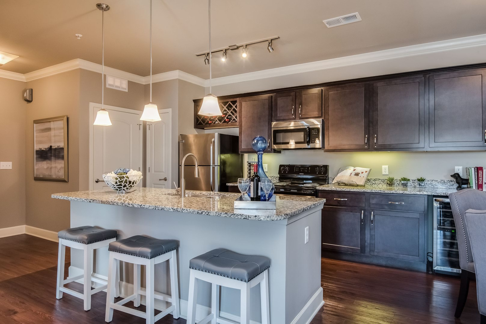 Residences at prairiefire luxury overland park apartments for Residence at prairie fire