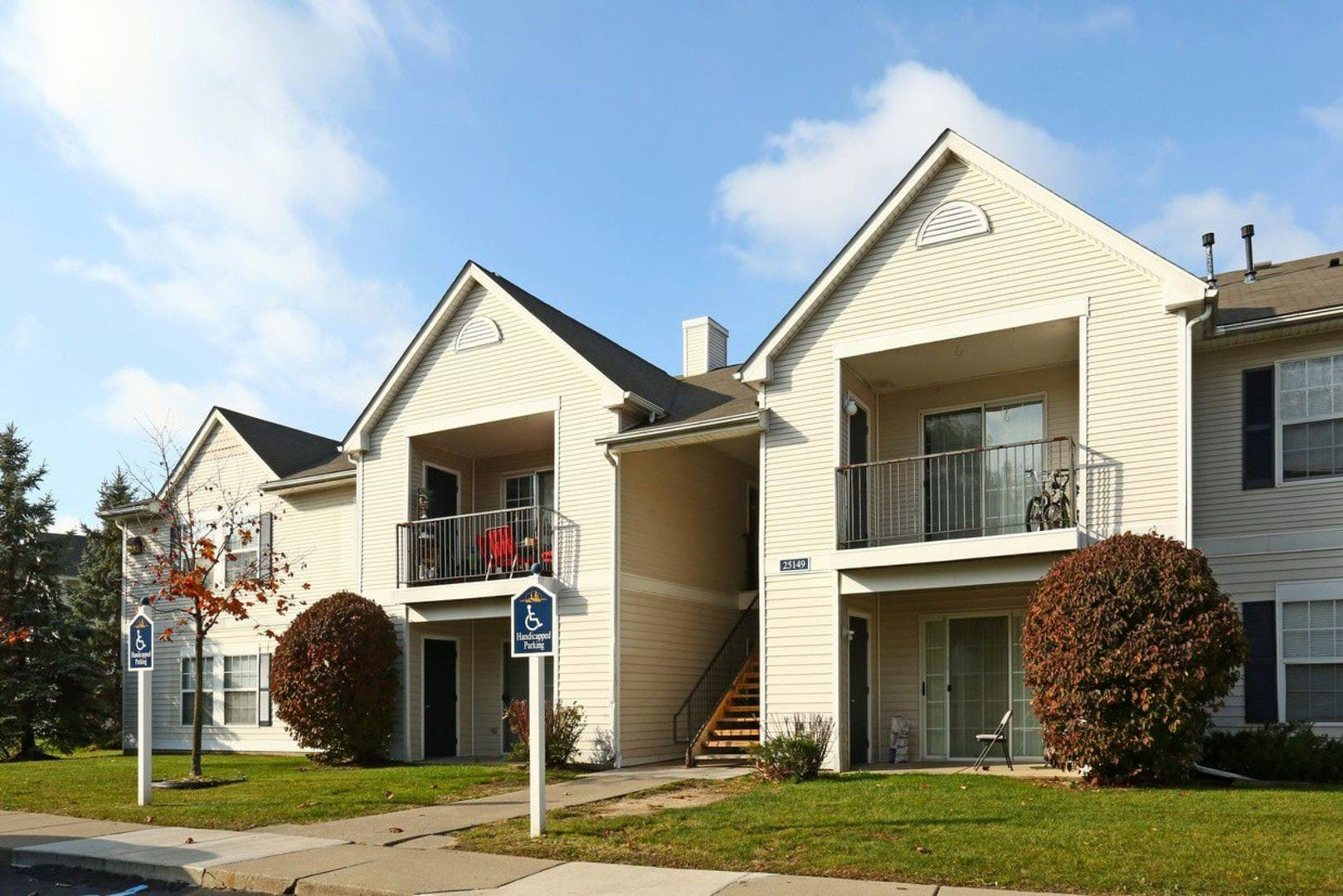 Woodhaven Apartments for Rent   Marsh Creek Village