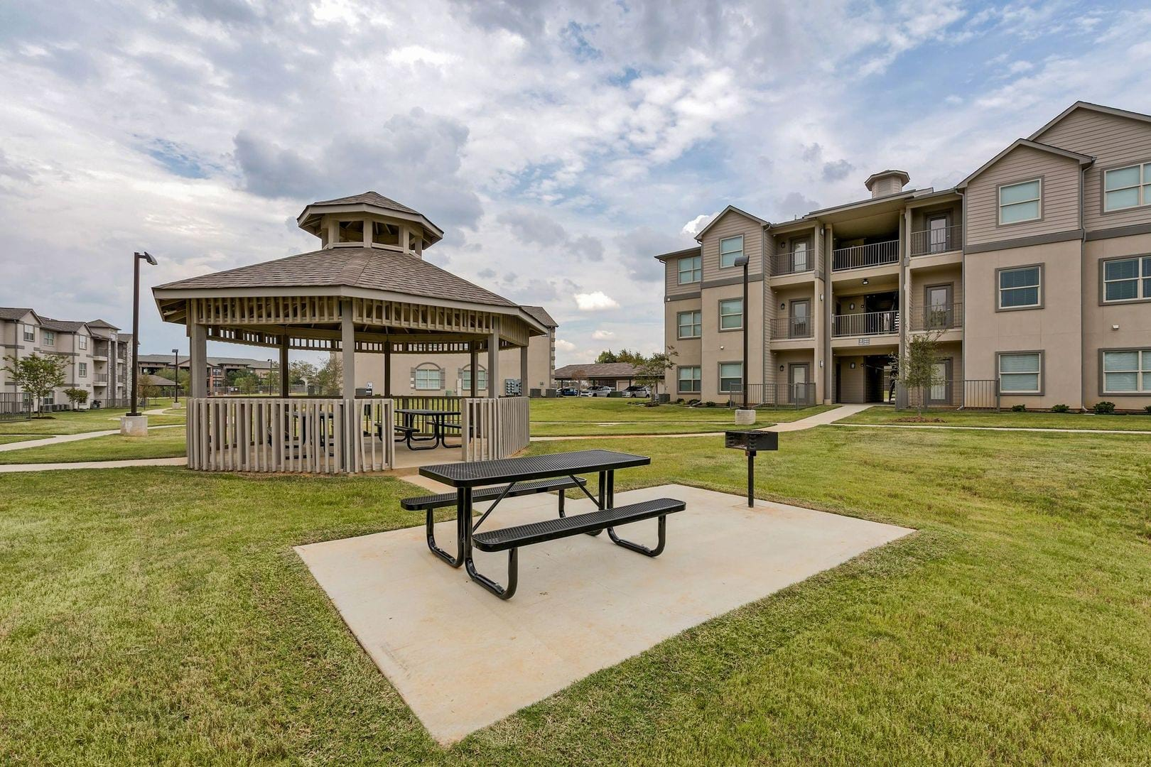 Apartments For Rent In Arlington, TX | Riverside Apartments   Home