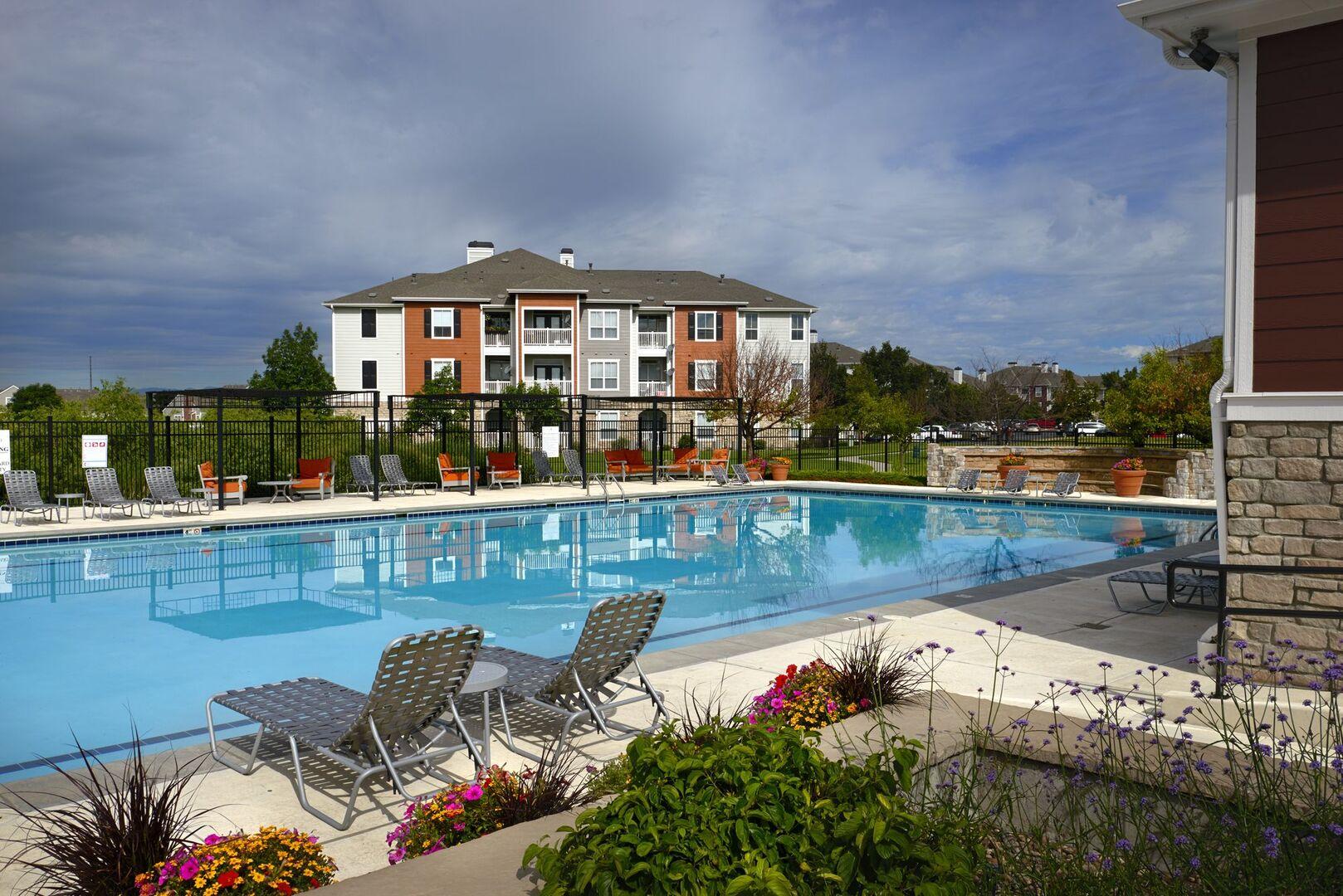 Apartments for Rent in Denver, CO | Lakecrest At Gateway ...
