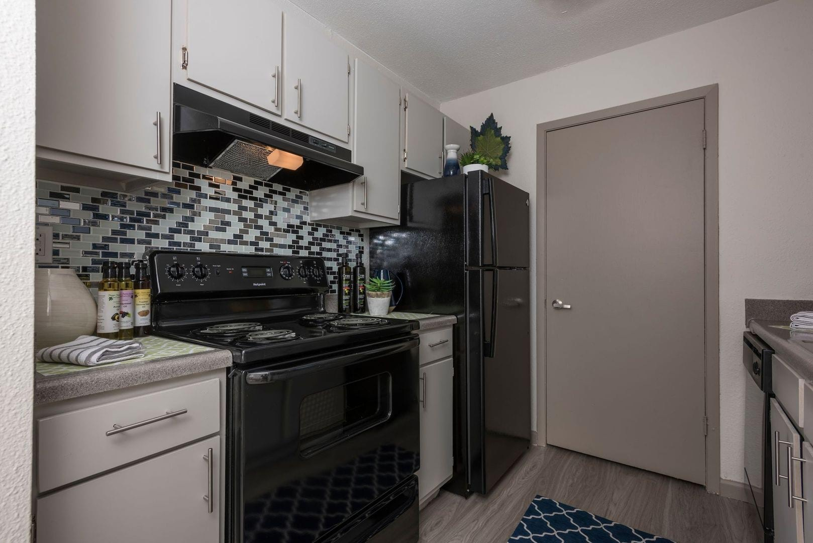 Fine Apartments For Rent In Arlington Tx Element Apartments Home Interior Design Ideas Oxytryabchikinfo