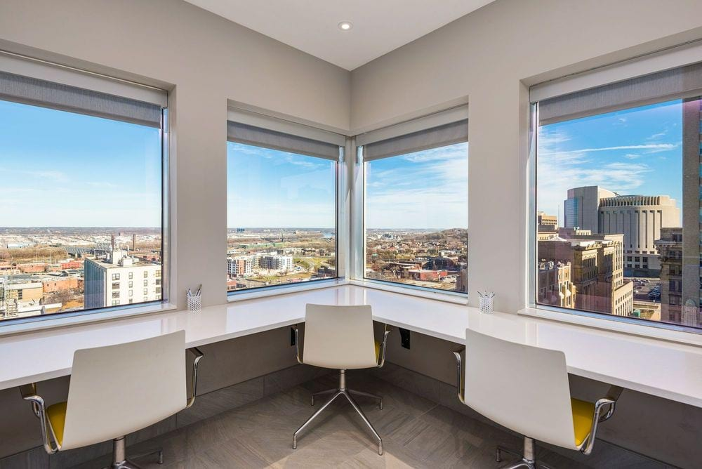 Downtown Kansas City Apartments | Commerce Tower
