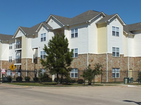 Arbor Pines Apartments