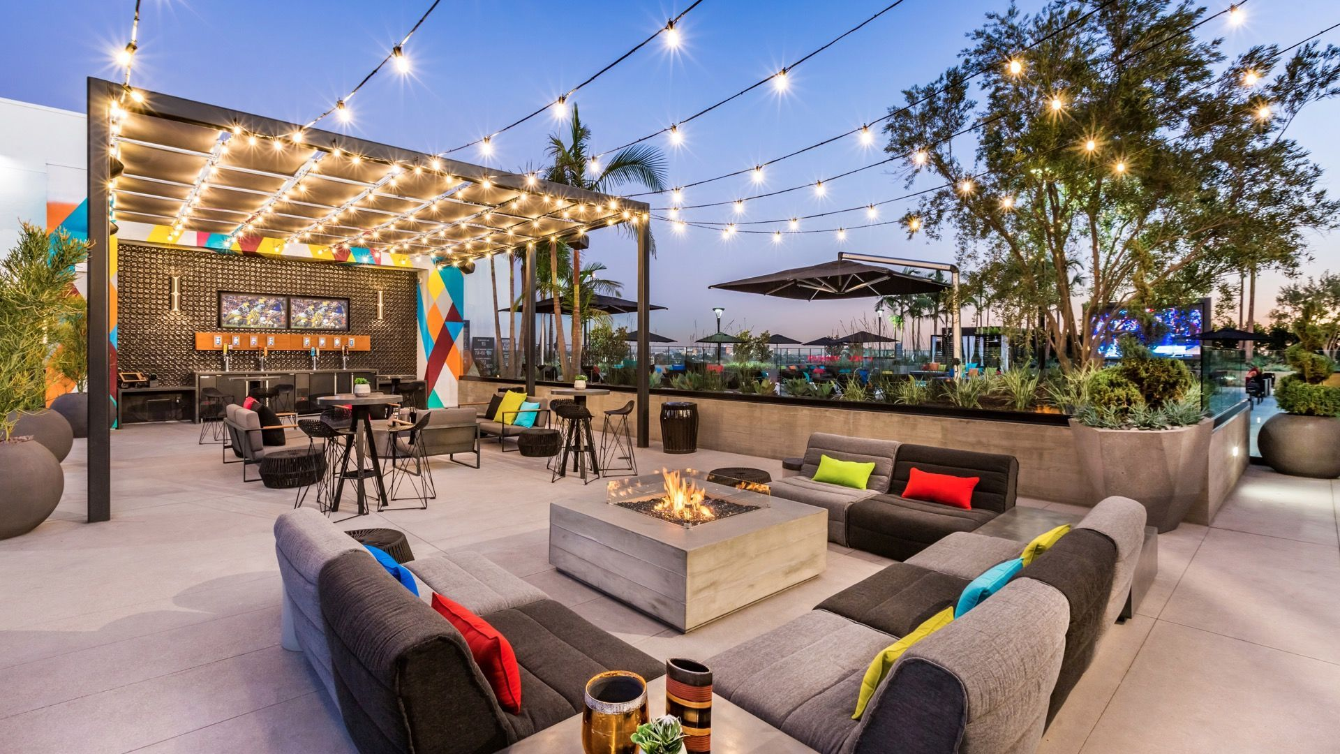 Google Image Result For Https Capi Myleasestar Com V2 Dimg 62886788 1920x1080 62886788 Jpg Outdoor Inspirations Luxury Apartments Photo Galleries
