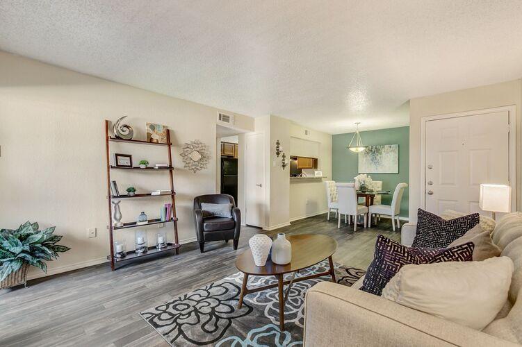 Creekwood Apartment Homes