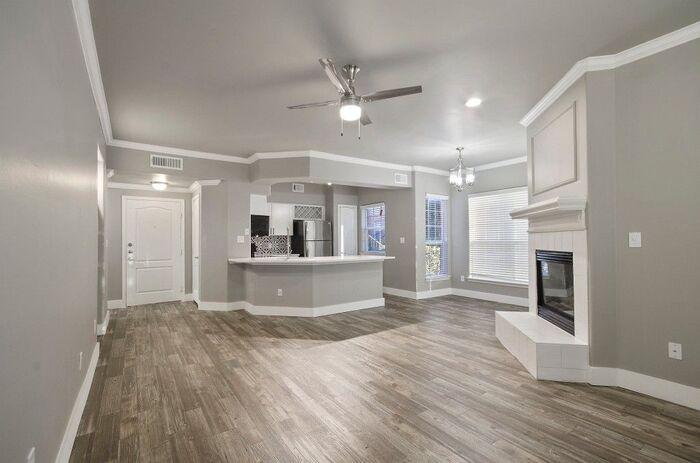 North Fort Worth, TX, Luxury Apartments - Sorrento