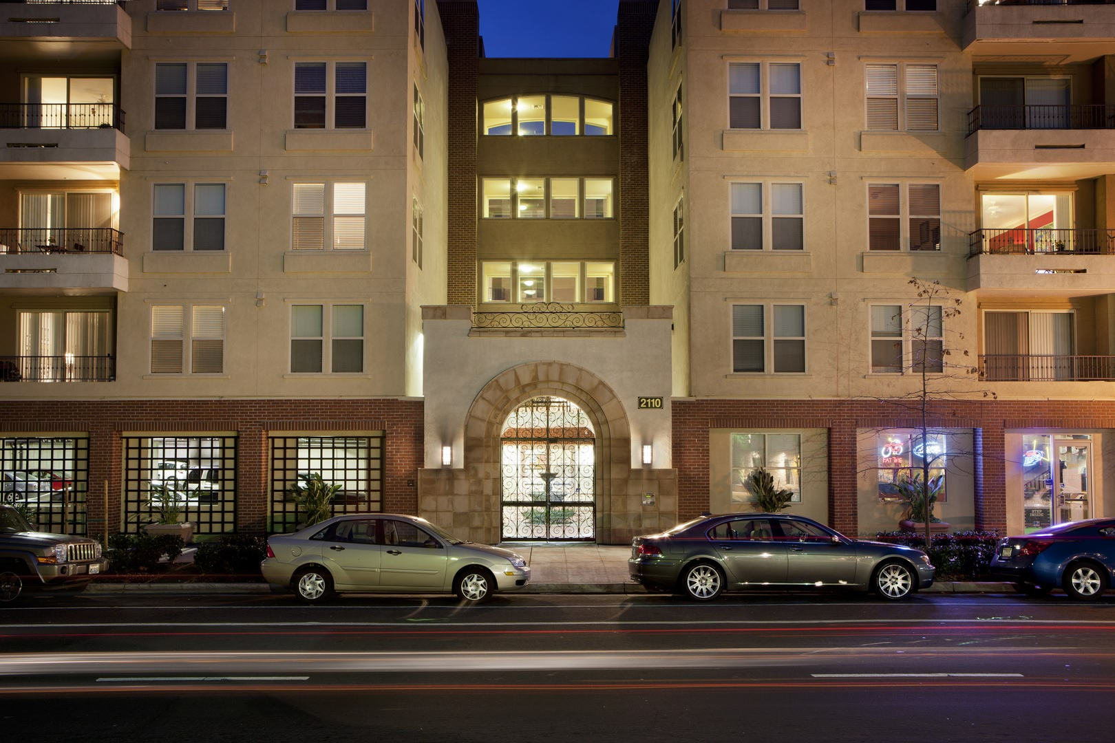 Apartments for Rent in Sacramento, CA | St. Anton Building ...