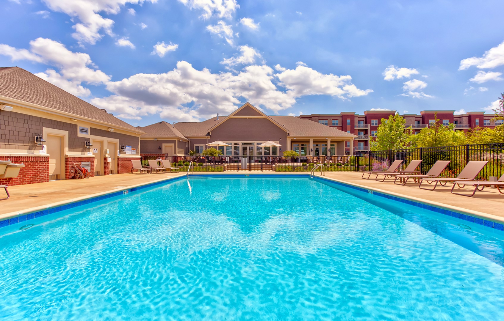 Apartments for Rent in Orland Park, IL | The Residences of