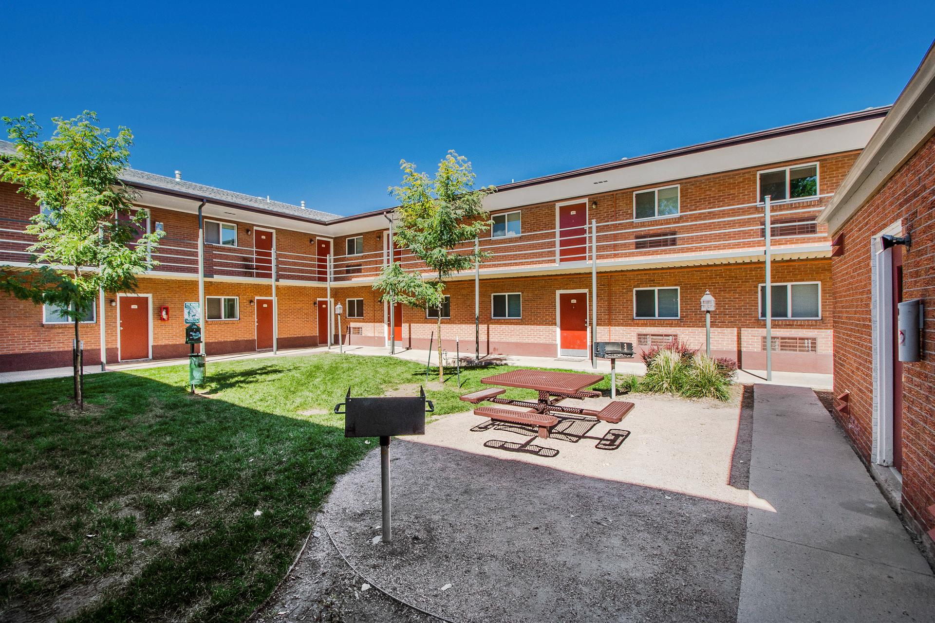 Fillmore Ridge - Colorado Springs, CO Apartments for rent