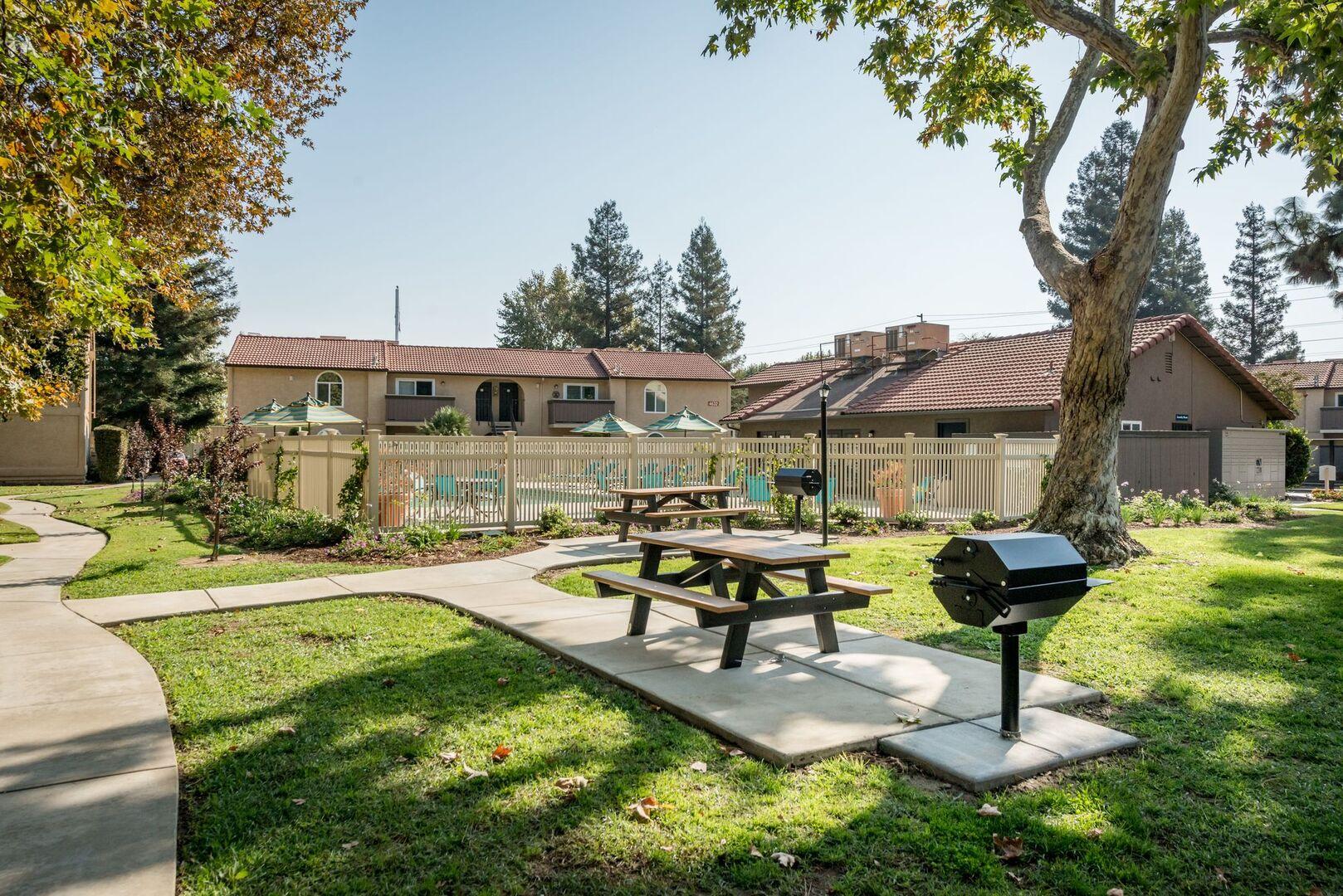 Apartments for Rent in Visalia, CA   Oak View - Home