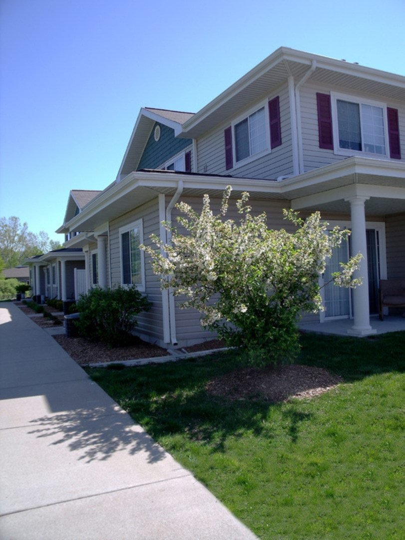 Setter's Pointe in Coopersville Apartments & Townhomes