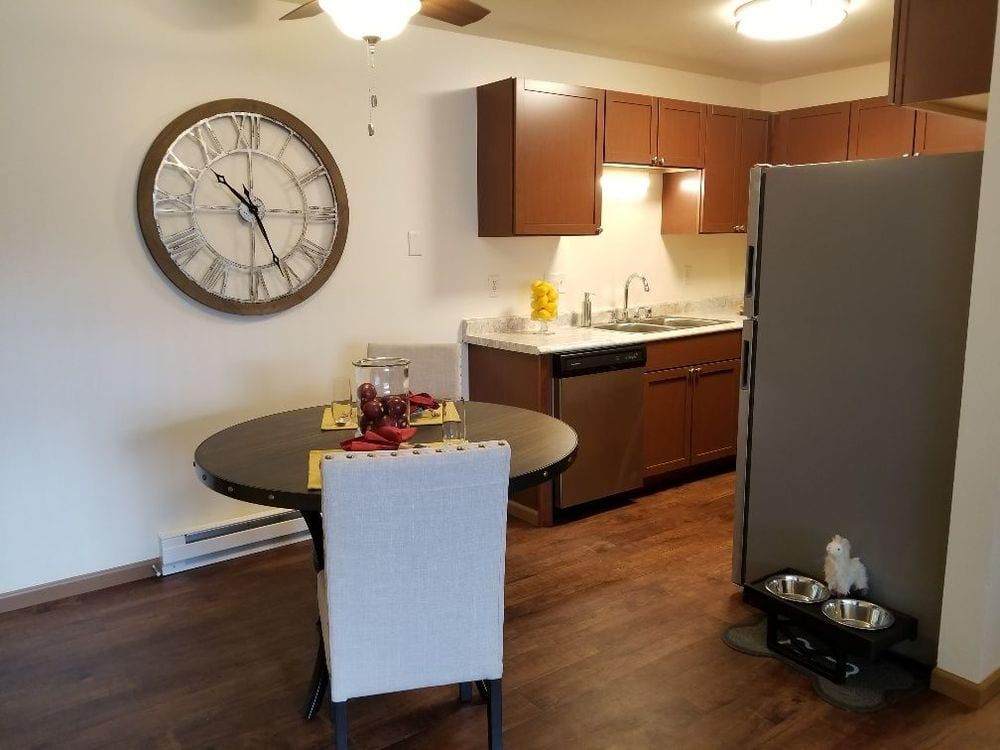 WOODFIELD HEIGHTS APARTMENTS