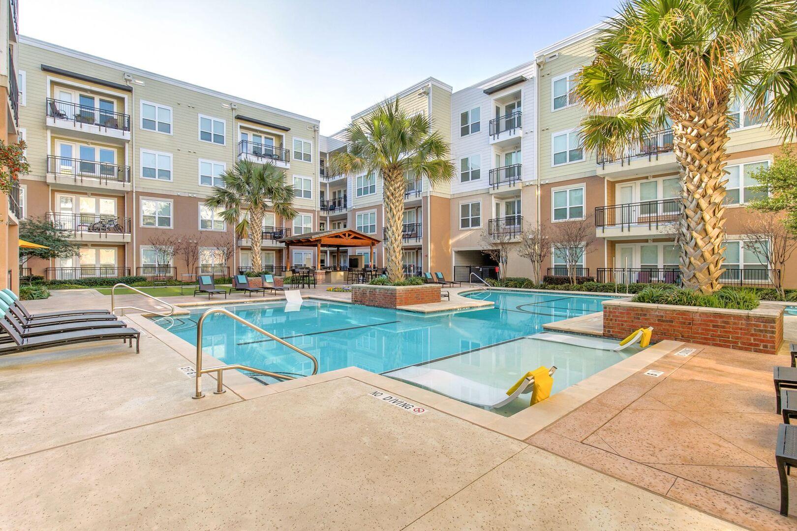 Lake Carolyn Apartments Las Colinas | Lakeside Urban Center