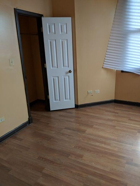 Chicago, IL - Apartment - $1,250.00