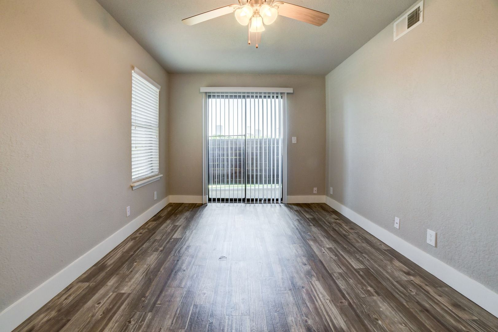 Waterside Photo Gallery | Tulsa, OK Apartment Pictures