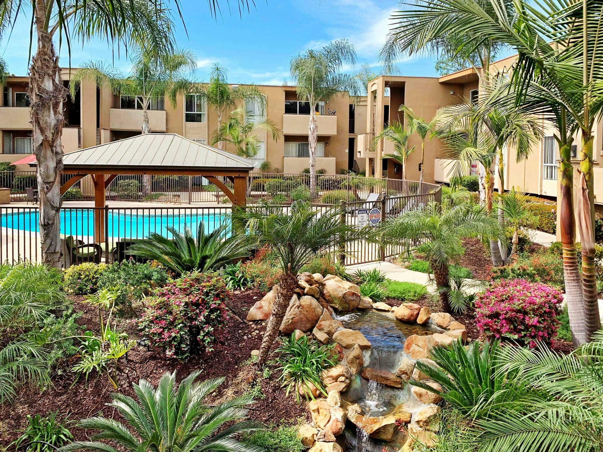Dorchester Apartments - San Diego, CA Apartments for rent