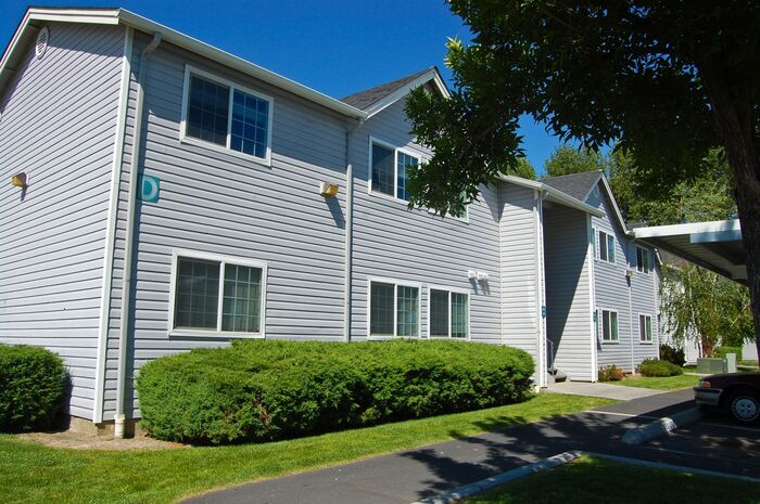 Moses Lake Meadows Apartments