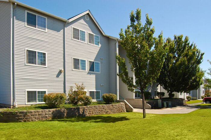 Lakeland Pointe Apartments