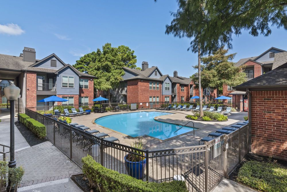 luxury apartments for rent near me in Houston, TX; best apartments in Houston