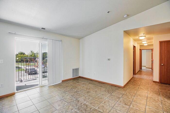 Viola Apartments