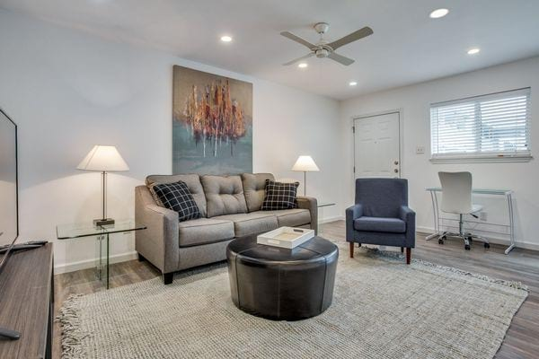 Dallas, TX - Apartment - $1,094.00 Available March 2021