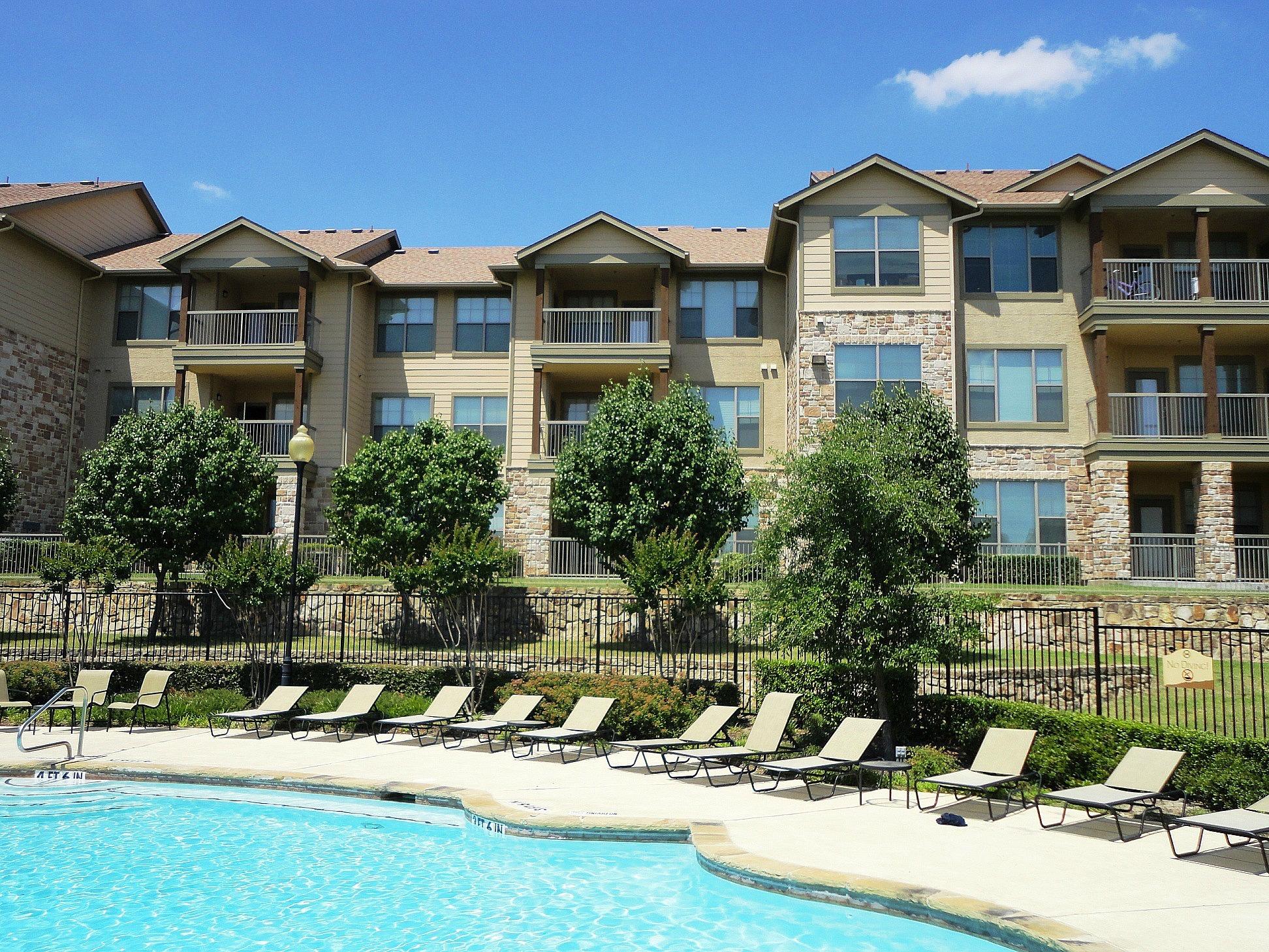 Huntington Ridge - Desoto, TX Apartments for rent