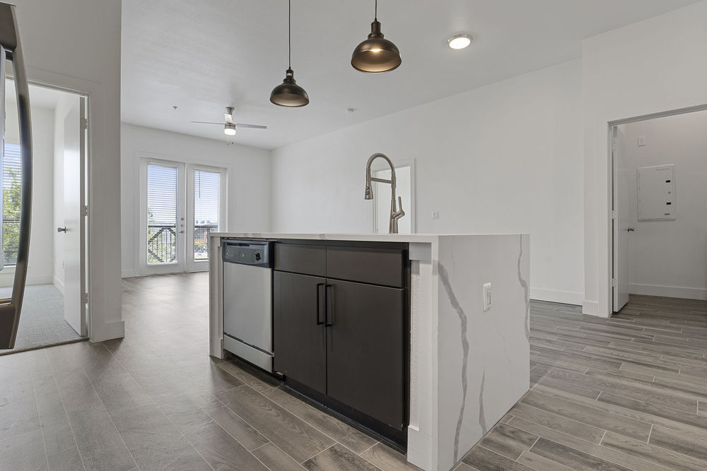 luxury apartments for rent near me in austin tx; best apartments in austin; mueller lake park apartments