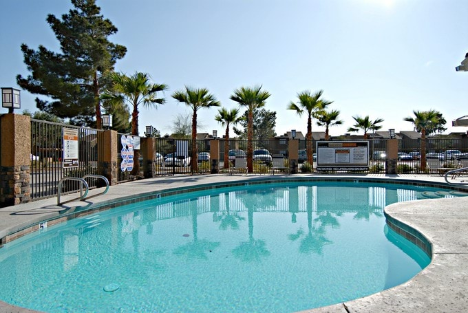 Sahara Gardens Photo Gallery Las Vegas Nv Apartment Pictures