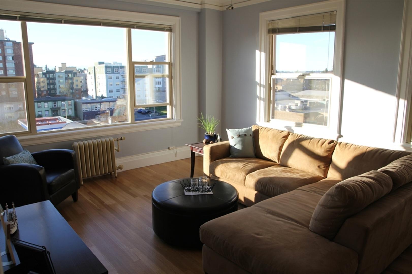 Lothlorien Apartments Photo Gallery | Seattle, WA ...